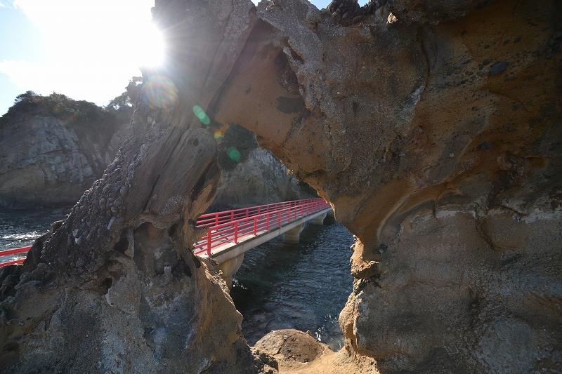 奇岩の弁天橋